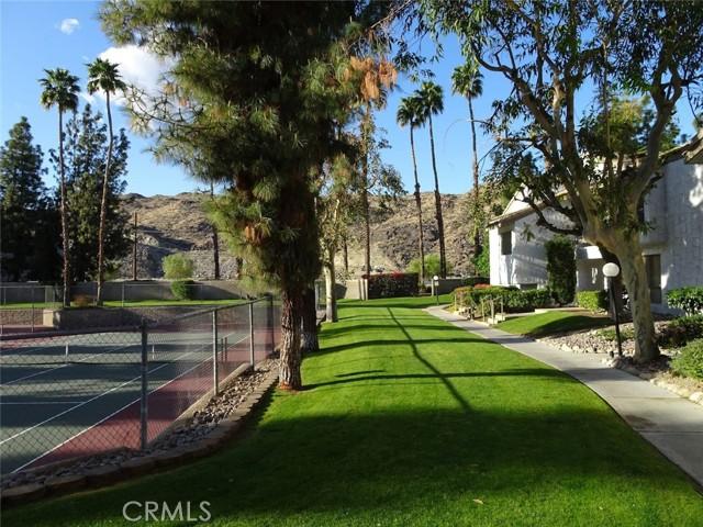 5125 E Waverly Dr #B17, Palm Springs, CA 92264