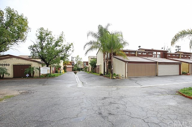 10950 Saticoy St. 6, Sun Valley, CA 91352