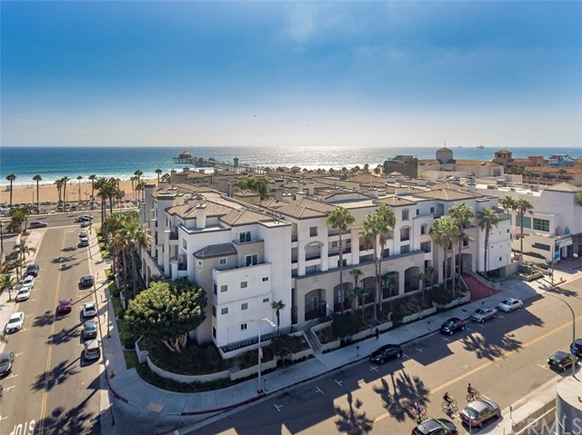 200  Pacific Coast Highway, Huntington Beach, California