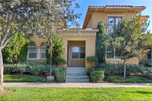Beautifully upgraded rare SINGLE STORY home in the heart of Woodbury at the end of the cul-de-sac next to green belt. Walk to Woodbury elementary school. From the private inviting porch enter this amazing one story floor plan 2 bedroom suites and a separate guest casita plus guest powder room. As you enter, you are greeted with breathtaking high ceilings, leading to an impressive, enormous bright great room, boasting fireplace and upgraded wood floors. Enjoy cooking in the gourmet kitchen equipped with extensive granite counter space, stainless steel appliances, double oven, built in Microwave, custom full backsplash, grand center island, and pantry. The open private courtyard with fireplace is an entertainer's dream. There are extensive upgrades throughout, including new full home led lighting, plantation shutters, custom paint, pre-wired for speakers in Living room and master bedroom, and indoor laundry room. Grand master bedroom offers walk-in closet and Jetted Jacuzzi tub. Enjoy the Woodbury community's 9.5 acres Recreation center/multi purpose room at the Commons. Be entertained with Woodbury 7 resort style pools and spas, Fireplaces and barbecue areas, neighborhood gardens, sand volleyball, basketball courts, tennis court, sport courts and much more. Walk to Jeffery open space trails and Woodbury Elementary School.