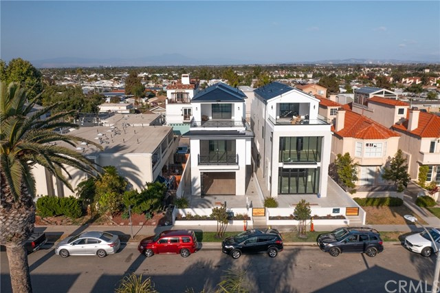 2. 412 California Street Huntington Beach, CA 92648