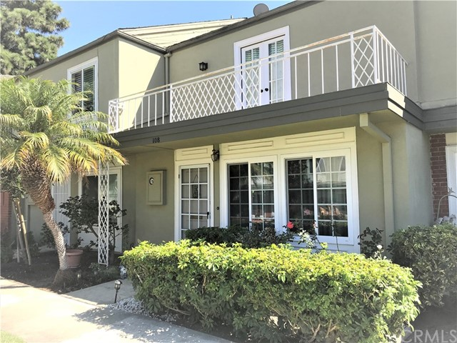 108 Yorktown Lane, Costa Mesa, CA 92626