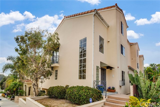 621 9th Street- Hermosa Beach- California 90254, 3 Bedrooms Bedrooms, ,2 BathroomsBathrooms,For Sale,9th,SB18145085