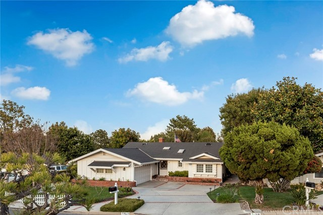 10 Sunnyfield Drive, Rolling Hills Estates, California 90274, 3 Bedrooms Bedrooms, ,2 BathroomsBathrooms,For Sale,Sunnyfield,SB21066576