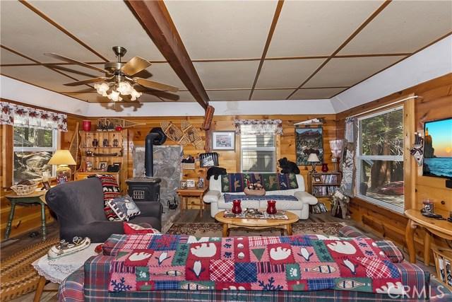 33785 Cedar Pines Ln, Green Valley Lake, CA 92341 Photo 4