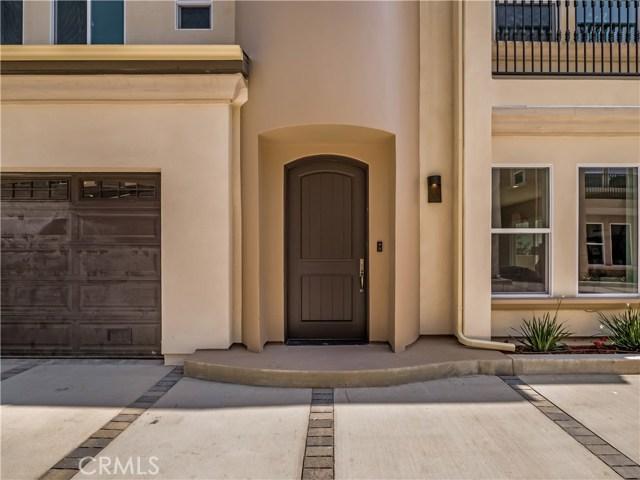 20808 W Oklahoma Street, Chatsworth, CA 91311