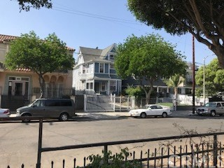 1840 W 11th Place, Los Angeles, CA 90006