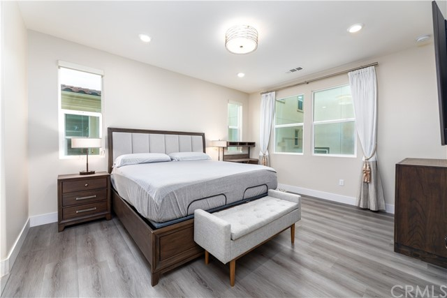 11. 235 Siena Lake Forest, CA 92630