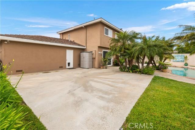 49. 2016 Calvert Avenue Costa Mesa, CA 92626
