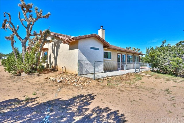10970 Joshua St, Oak Hills, CA 92344 Photo 43