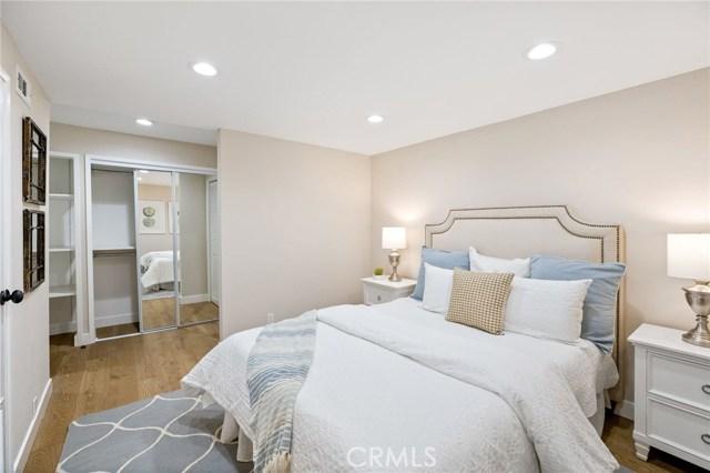 Lower level - office/den/4th bedroom