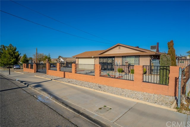14327 Rodeo Dr, Victorville, CA 92395 Photo