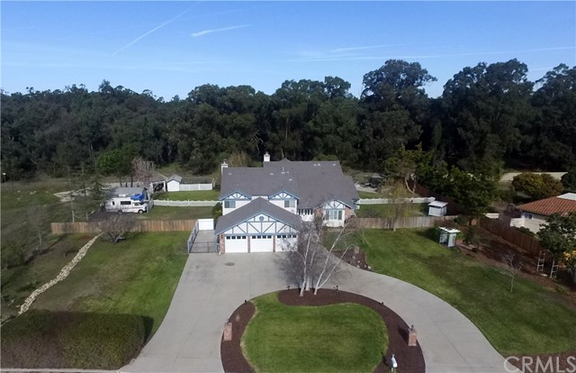 1411 Foxenwood Drive, Santa Maria, CA 93455