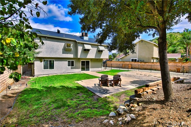 32363 Mustang Dr, Castaic, CA 91384 Photo 11