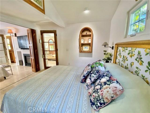 房产卖价 : $98.00万/¥674.00万