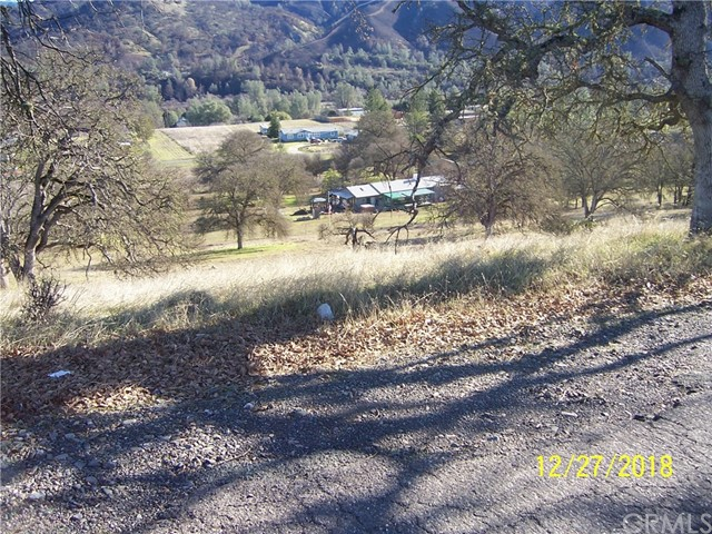 2404 Indian Hill Road, Clearlake Oaks, CA 95423