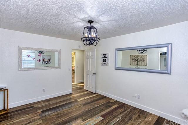 9175 Coleridge Rd, Oak Hills, CA 92344 Photo 17