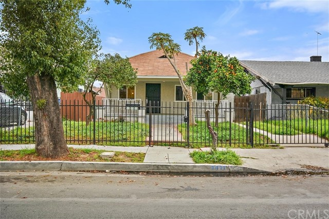 1411 Roland Curtis Place, Los Angeles, CA 90062
