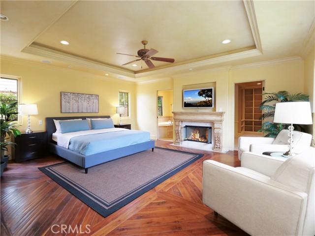 19. 1012 Via Mirabel Palos Verdes Estates, CA 90274
