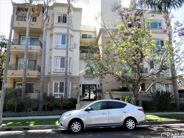 305 Arnaz Drive 102, Los Angeles, CA 90048