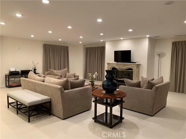 317 N Oakhurst Drive 1, Beverly Hills, CA 90210