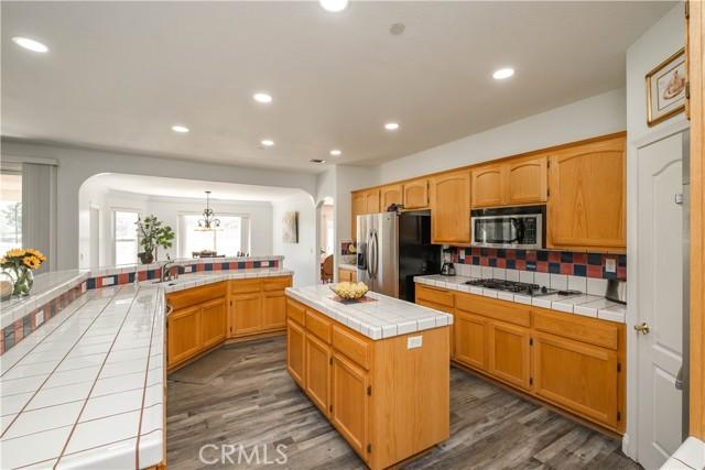 9875 Alta Mesa Rd, Oak Hills, CA 92344 Photo 13