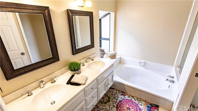 1 Fieldflower, Irvine, CA 92614 Photo 33