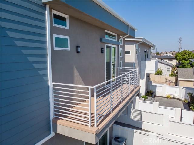 23. 1912 Marshallfield Lane #A Redondo Beach, CA 90278