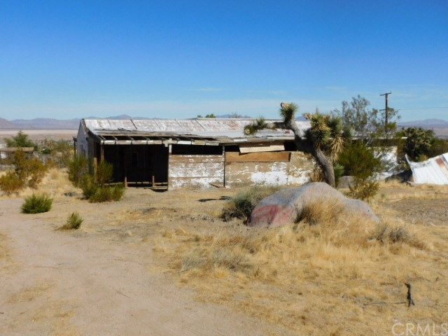 32425 Emerald Rd, Lucerne Valley, CA 92356 Photo 24