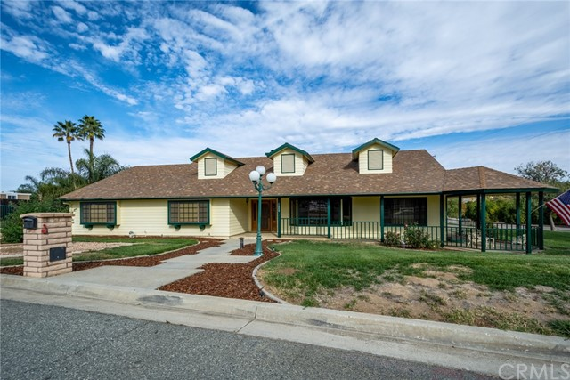 Photo of 42240 Welches Court, Hemet, CA 92544