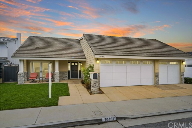 20401 Regal Circle, Huntington Beach, CA 92646
