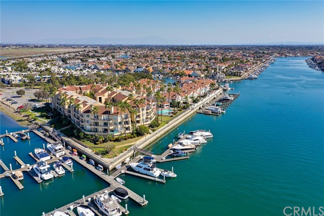 Live on the Main Channel. Enjoy Boat Parades and Easy Access to Entertainment & Dining.