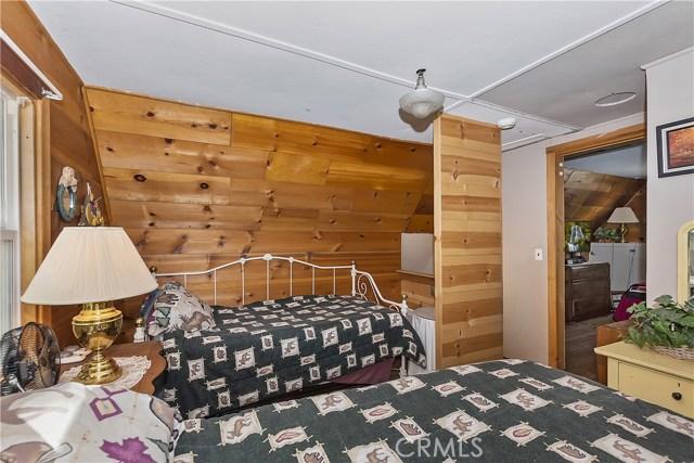 33785 Cedar Pines Ln, Green Valley Lake, CA 92341 Photo 15
