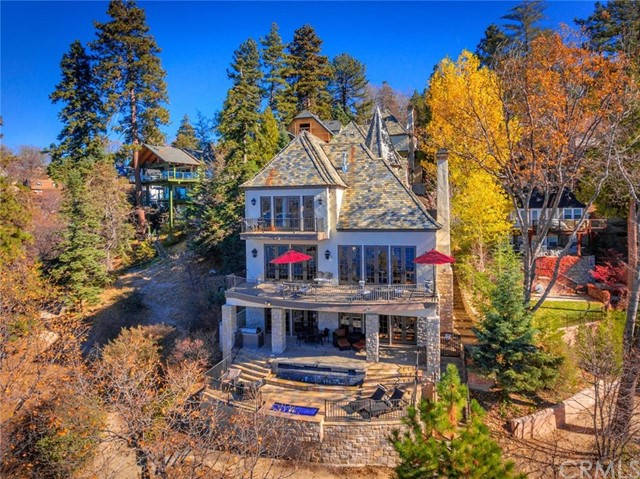 Photo of 28718 Palisades Drive, Lake Arrowhead, CA 92352