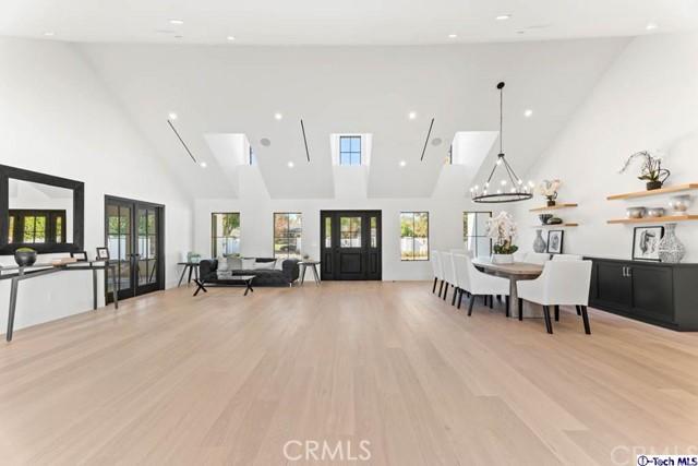5724 Manton Avenue, Woodland Hills, California 91367, 5 Bedrooms Bedrooms, ,2 BathroomsBathrooms,Single Family Residence,For Sale,Manton,320004106