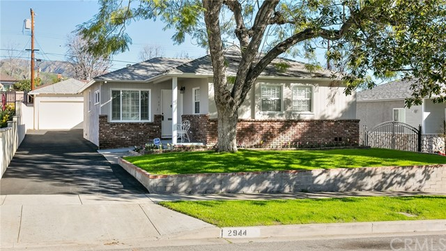 2944 N Buena Vista Street, Burbank, CA 91504