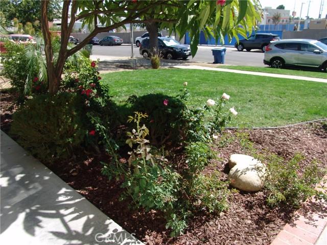 17109 Hiawatha Street, Granada Hills CA: https://media.crmls.org/medias/b44a88a5-a8a7-41d8-81b6-925d768f8157.jpg