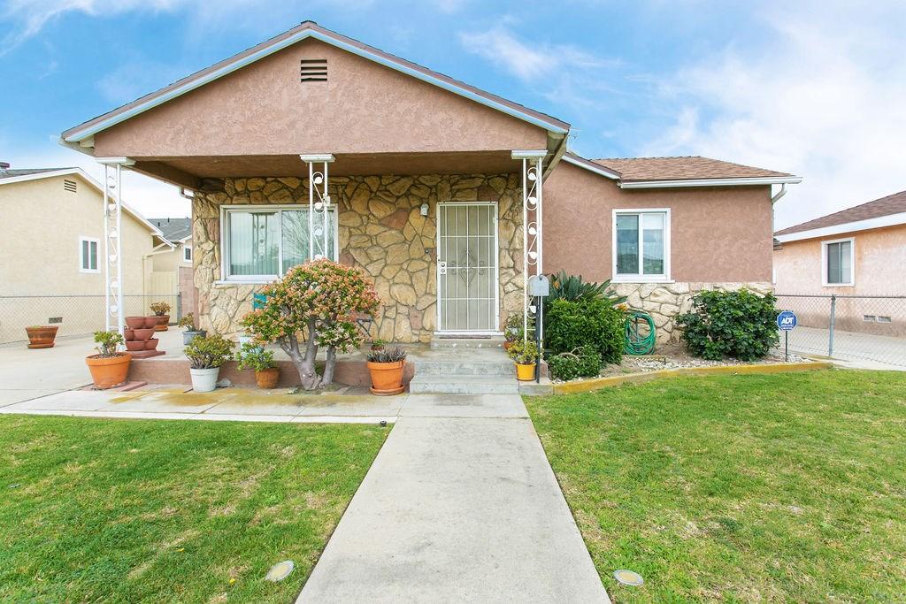 5672 Saint Ann Avenue, Cypress, CA 90630