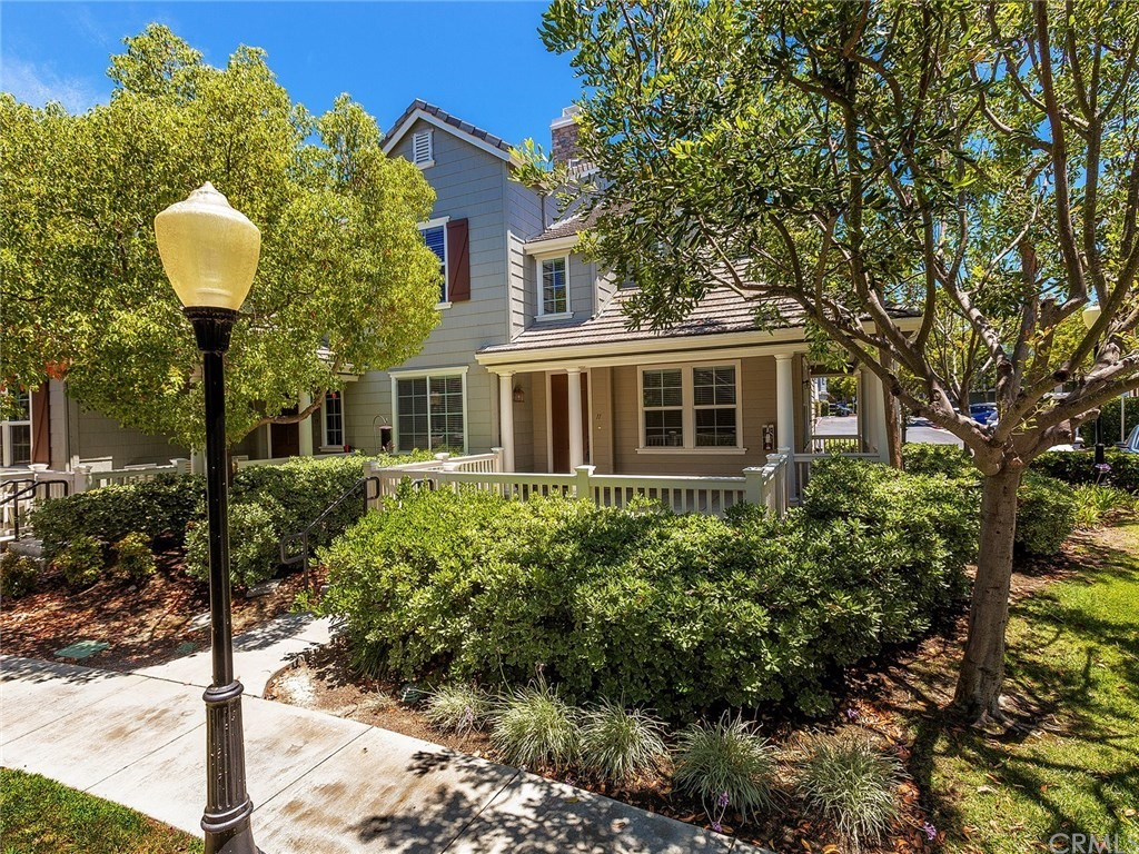 Beautiful townhome with one of the biggest patios in the tract of Greenbriar in the Village of Avendale.  This 3 bed + loft is appointed with wood look flooring and neutral paint, Large kitchen with Granite counters and breakfast bar. Upstairs has built in desk area, 3 bedrooms + an extra loft space which is great for an office or play area. Master bath has separate tub and shower, dual sinks and walk in closet. This corner unit is ideally located and very close to Ladera Ranch elementary and other award winning schools, Founders Park, Avendale Clubhouse. Community also includes a skate park, water park,multiple other pools, playgrounds, clubhouse and tons of community events.