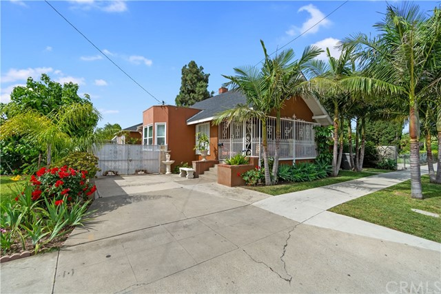 418 E Mcfadden Avenue, Santa Ana, CA 92707