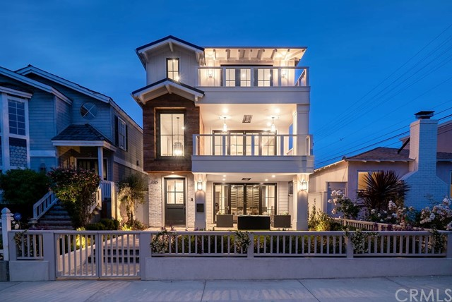 320 7th Street, Manhattan Beach, CA 90266
