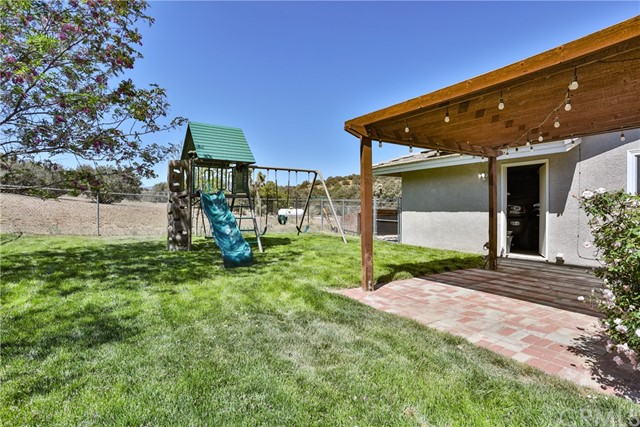 8071 Anaconda Av, Oak Hills, CA 92344 Photo 52