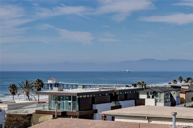 Photo of 405 Bayview Drive, Manhattan Beach, CA 90266