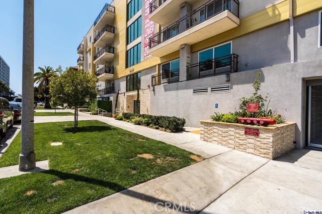 7. 2939 Leeward Avenue #202 Los Angeles, CA 90005