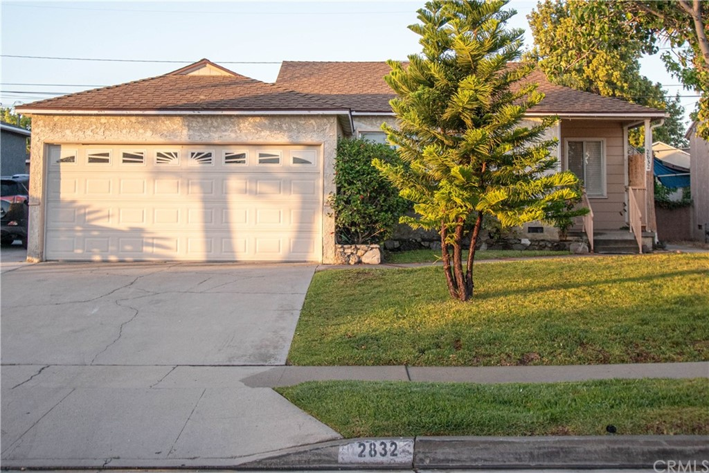 2832     Sandwood Street, Lakewood CA 90712