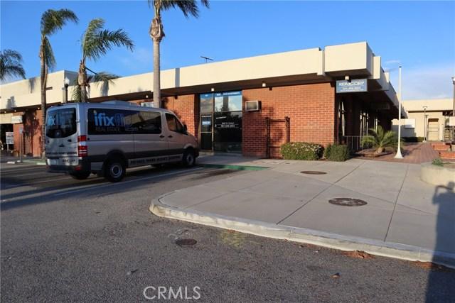 141 W Corona Mall, Corona, CA 92879