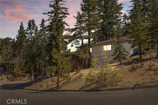 2681 Thule Lane, Running Springs, CA 92382