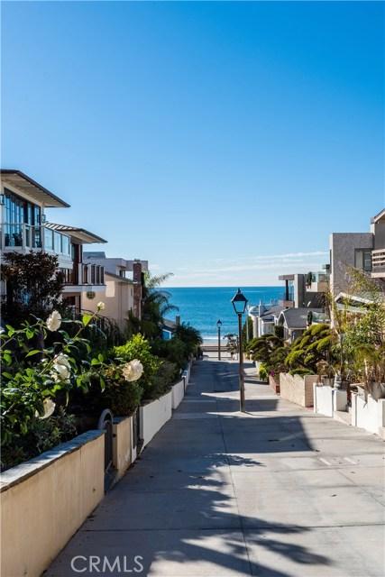 212 16th Street, Manhattan Beach, California 90266, 4 Bedrooms Bedrooms, ,1 BathroomBathrooms,For Sale,16th,SB20214032