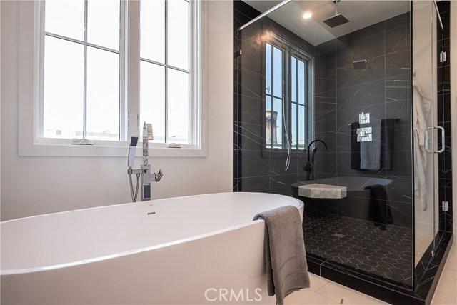 724 13th Street, Manhattan Beach, California 90266, 6 Bedrooms Bedrooms, ,2 BathroomsBathrooms,For Sale,13th,SB19143187