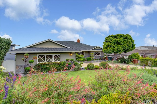 517 Via La Selva, Redondo Beach, California 90277, 4 Bedrooms Bedrooms, ,3 BathroomsBathrooms,For Rent,Via La Selva,SB20073271